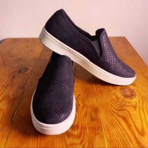 Sofft Black Leather Textured Slip-Ons size 8